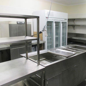 Epping Memorial Hall Function Room Kitchen includes an oven and cooktop, combi oven, microwave, dishwasher and bain marie for you to use with your function room booking.
